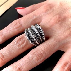 Womens new black marcasite silver crystal ring
